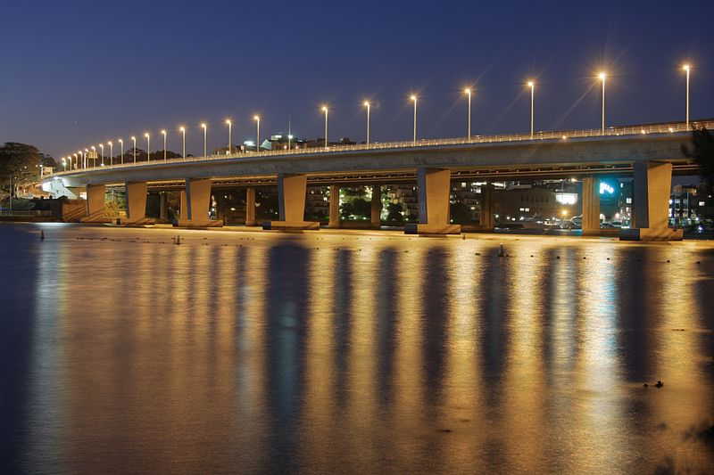 800px-Iron cove bridge Drummoyne